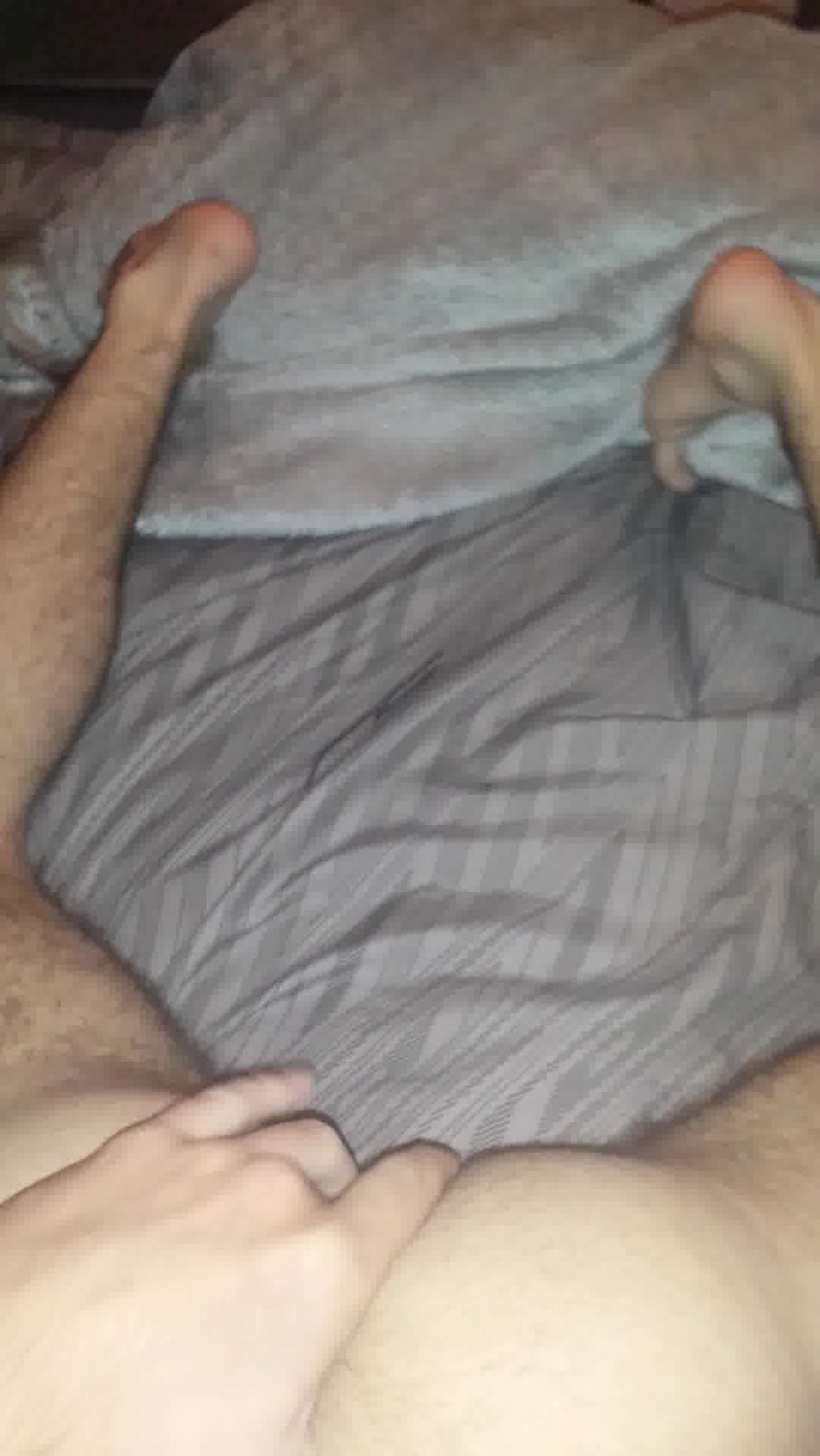 18 year old twink sucking my dick