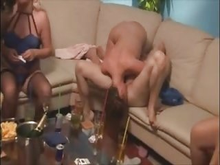 Group Sex Lesbians Party video: Lesbian meeting