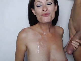 Amateur Blowjobs Brunettes video: She Blowjob and Cum in Mouth
