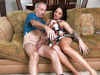 Teens Oldyoung Babes video: Aria Rose Gives Blowjob to Grandpa