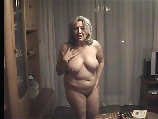 Grannies Arab Dildo video: Ker-Koss- Kuhn