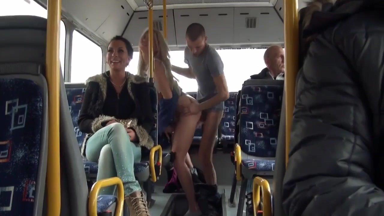 Захотелось секса в общественном транспорте смотреть- plantday.ru ...