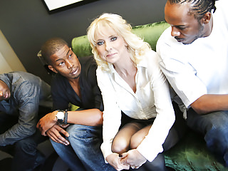 Interracial Black Big Cock vid: Cougar Cammille Gets Gangbanged By Black Cocks