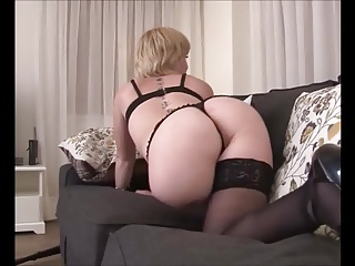 Amateur Teasing video: Thong amputee teasing