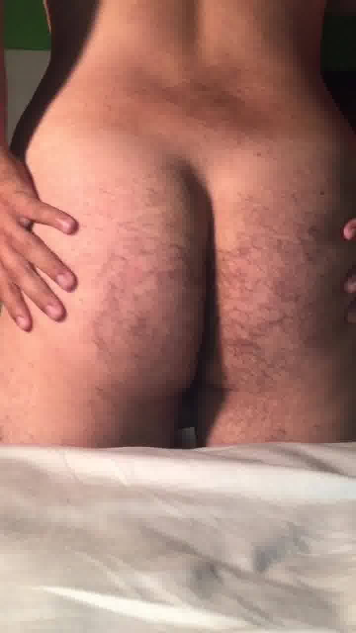 Sexy naked young bear for you