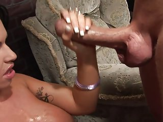 Milfs Big Boobs Brunettes video: Tattooed brunette gets a severe banging with a jumbo penis
