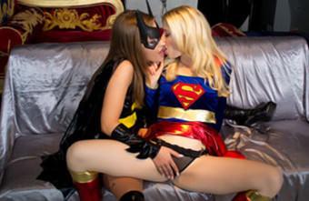 .Batgirl V Supergirl VR.