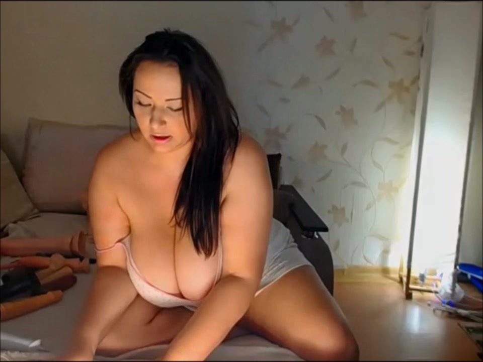 Curvy Sexy Big Tits MILF with Cleavage