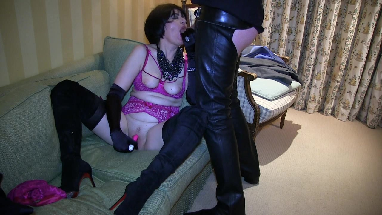 milf maman queue: milf in louboutin thigh boots orders a room service cock