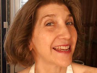 Matures Masturbation video: Cock craving granny Bobby Bentley