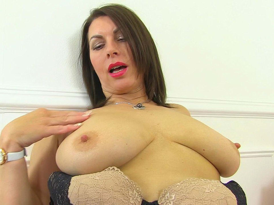 Matures,Milf,British,Nylon,Pantyhose,Older Woman Fun,HD Videos,Raven Pussy,British MILF,British Pussy,Pleasuring,Her Pussy,MILF Pussy