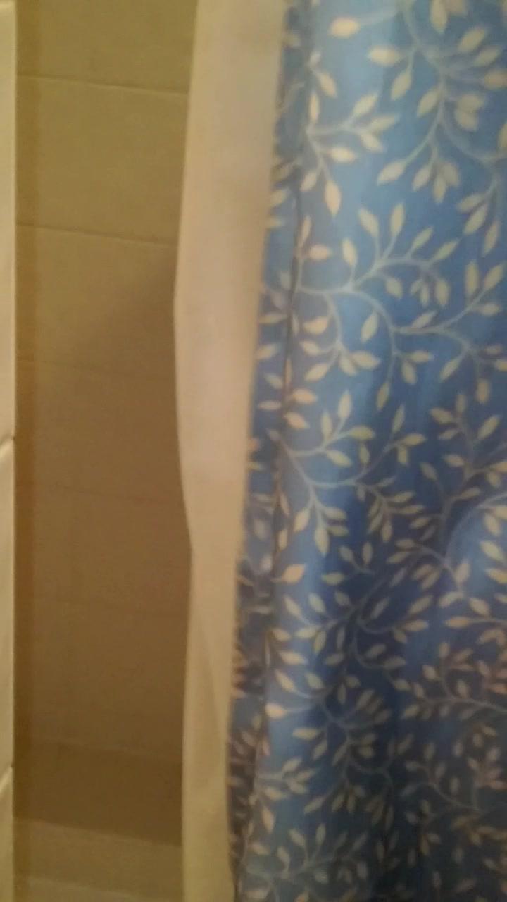 sloppy yellow bbw pussy shower