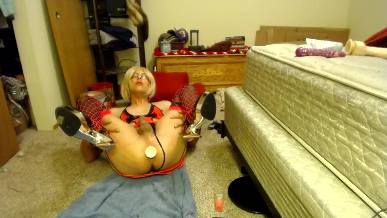 CD Whore Loves Ass to Mouth with Toys and Licking up Cum