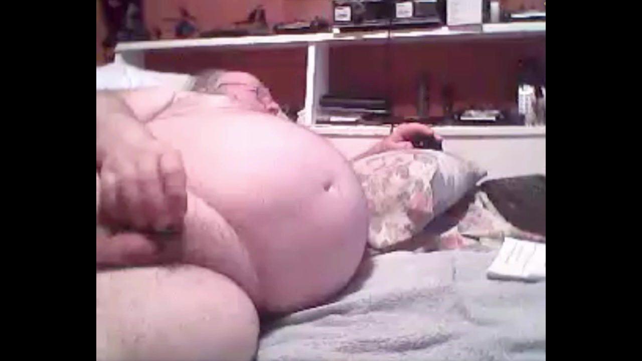 grandpa stroke in bed (no cum)