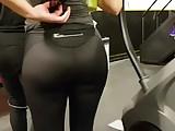 Candid hott ass pawg in leggings!!