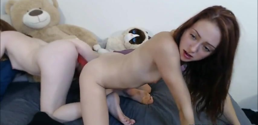 Two girls fucking double ended dildo