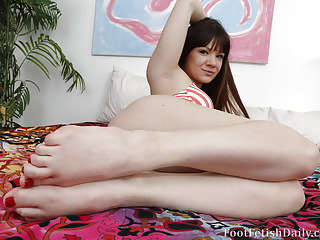 Foot Fetish Foot Fetish Daily Cute Toes video: Alison Rey Dangles her sexy soles and cute little toes
