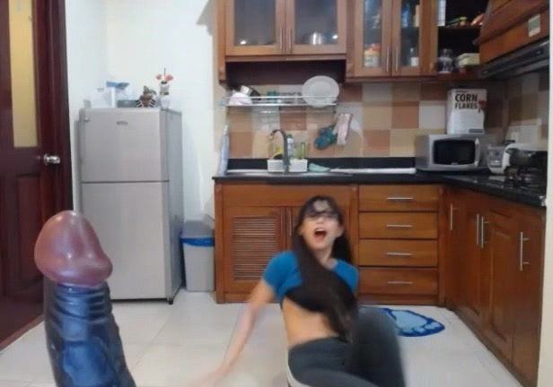 Asian Teen in Leggings suck Toy