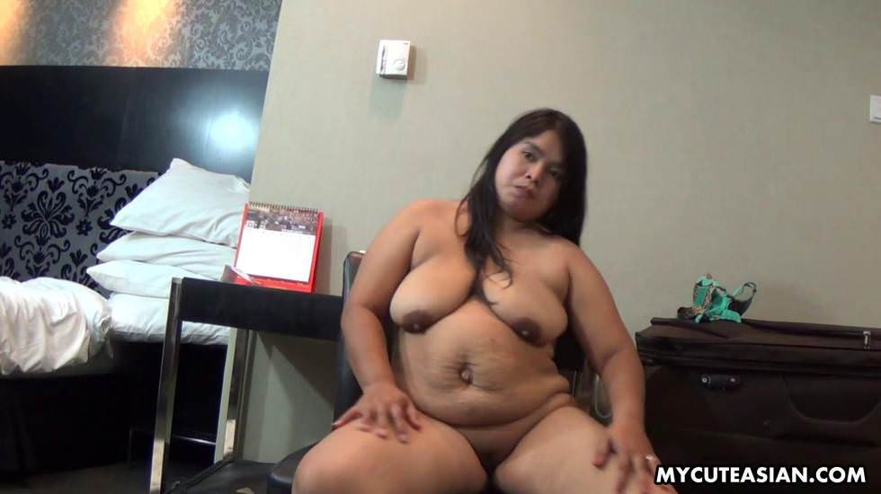 Chunky Asian babe rubbing her fat tacco thinking she&039s sexy