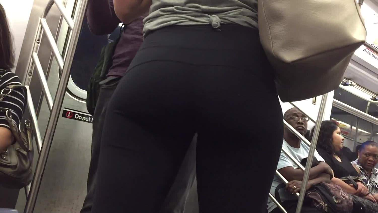 CANDID SPORT BOOTY