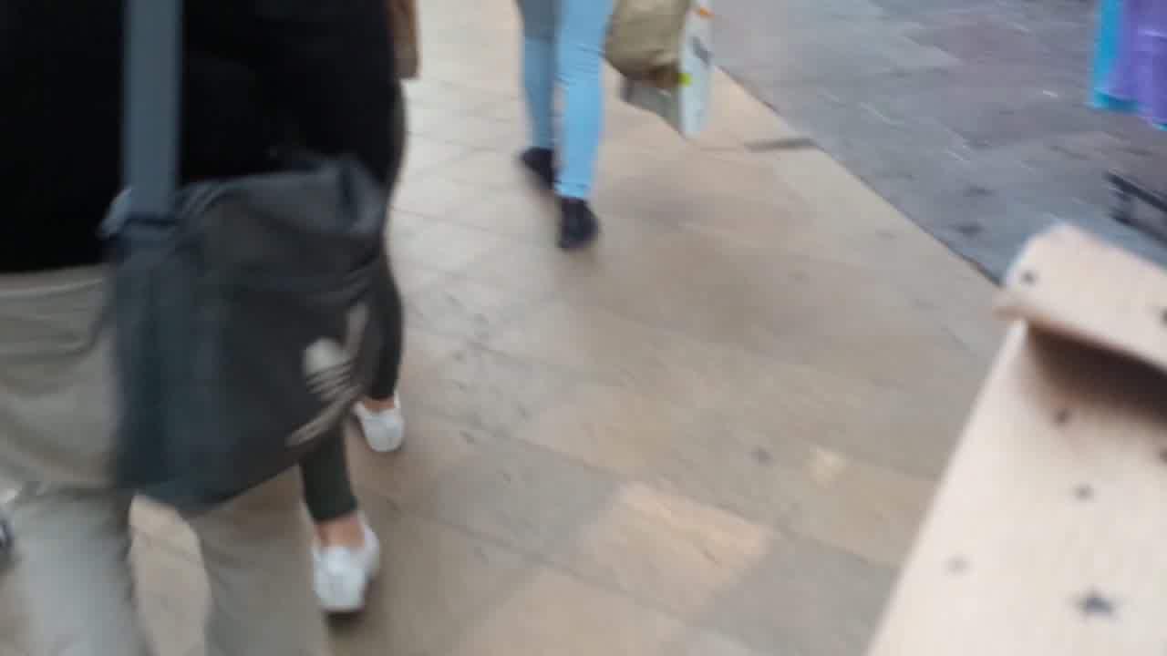 Wonderful ass - teen in the street