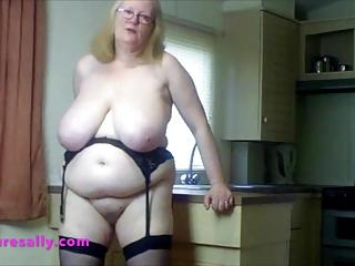 Big Boobs Bbw xxx: Wearing my stockings & suspenders In the kitchen