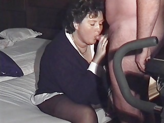 Amateur Bbw Footjob video: BBWife Verena - Geile Fotze in Strumpfhose