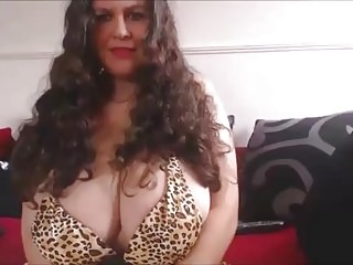 Pornstars British Big Natural Tits video: My huge boobs in a little bikini