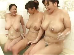 Onnaburo - JPN Women Enjoying The Bath Together