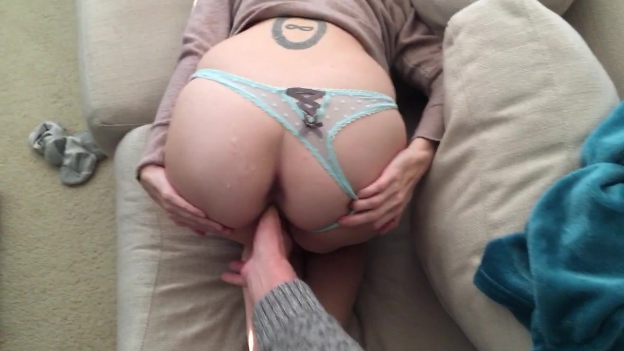 Cul Salope Adore: Phat ass slut loves to be spanked
