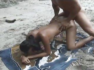 Beach Costa Rica video: Fiesta en la Jungla - Sofia
