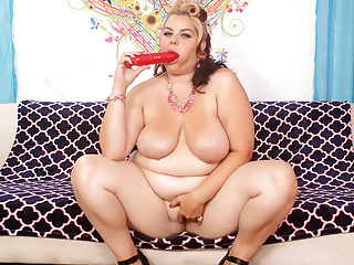 Bbw Sex Toys Dildo video: Buxom Bella shows off her fat ass and uses sex toys