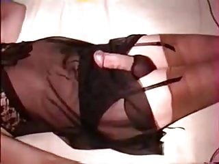 sissy crossdresser cums no hands