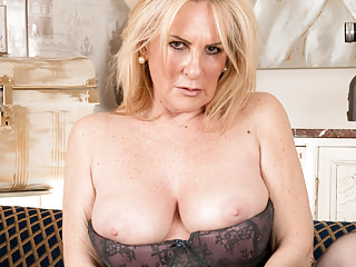 Milfs Grannies Lingerie video: 55 year old mom