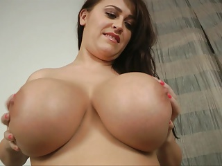 Bbw Big Butts Big Natural Tits video: Leanne's Big Juicy Melons