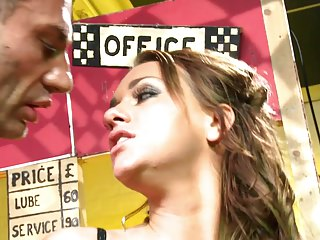 Streaming movie - Gorgeous brunette babe Paige Ashley gets her pretty face creamed