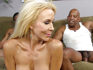 Interracial Squirting Threesomes video: Blonde Cougar Erica Lauren Loves Black Cock