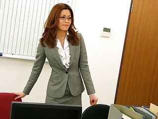 Teens Amateur video: Office worker getting cunt fucked on the table