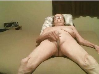 Porno video: Disgusting old granny masturbates