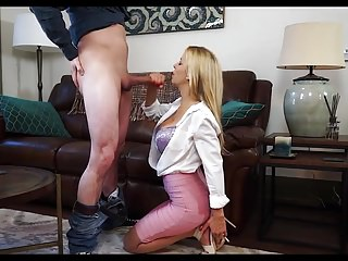 Blondes Blowjobs Cumshots video: quickie with blonde cougar
