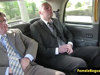 Threesomes Cabbie Hd Videos vid: Bigtit mature cabbie spitroasted in taxi
