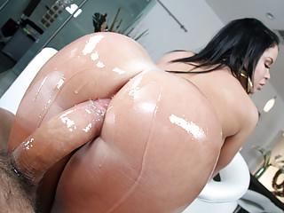 Latin Milfs Big Butts video: Oiled Booty Nikki Delano Banged Hard