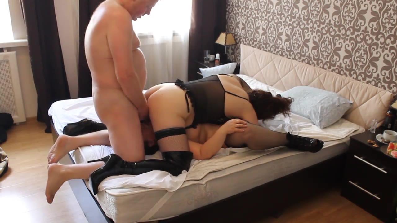 Russian Arab BBW Milf in 3some