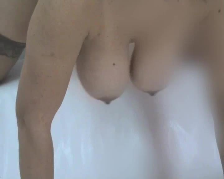 tette che ballonzolano - bouncing tits