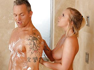 Showers Tits Massage video: Bailey Brooke massaging her ex-boss