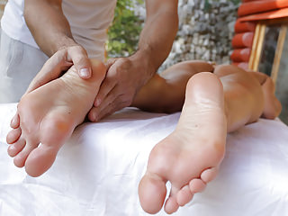 Foot Fetish Massage Big Butts video: Blanche Bradburry foot play