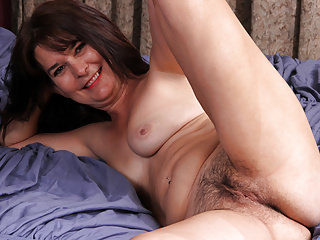 Blowjob,Granny,Hairy,Hd,Masturbation,Mature,Mom