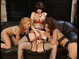 Lesbians Vintage Squirting video: Lesbain Fisting and Squirting Euro Style
