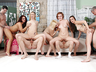 Group Sex Hardcore Fucked video: 5 girls fucked in an orgy