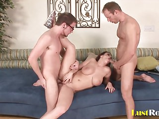 Chubby babe Whitney Stevens loves double penetration